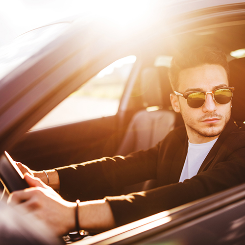 Practical Yet Fashionable: What are the Best Driving Sunglasses?